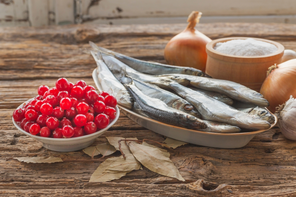 traditional foods, seafood, cranberries, traditional food diet
